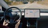 """特斯拉為Autopilot推出新功能""""Navig..."""