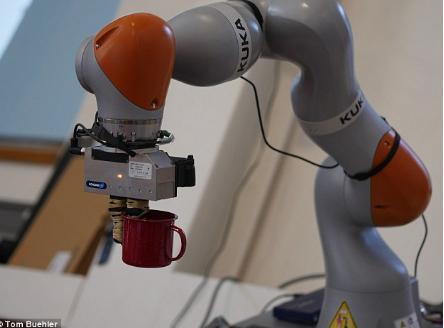 MIT发明了一种机器人 可以使用突破性计算机视觉