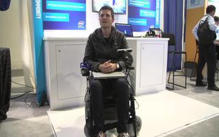 采用英特尔实感技术的面部表情控制轮椅