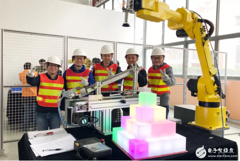 机器换人的时代趋势下,企业职工更需要掌握过硬的机器人应用技能