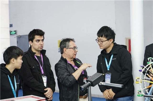 中国电信联合诺基亚和英特尔共同演示了5G端到端技...