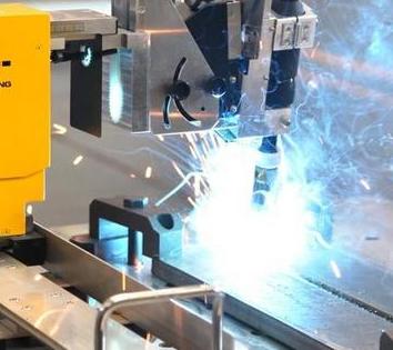 自动焊接机器人技术已日益成熟 主要有以下优点