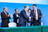爱驰汽车与西门子签署战略合作协议