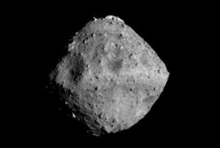 隼鸟2号将投放机器人 让机器人完成针对这颗小行星...