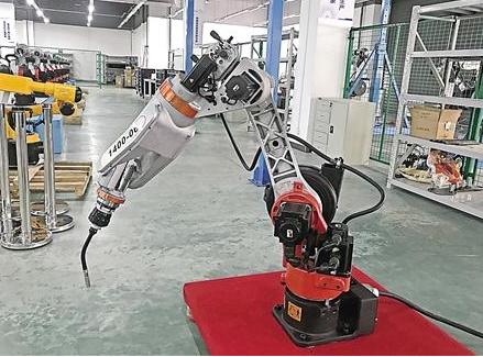 弧焊机器人水平堪比大国工匠 未来有望大规模应用