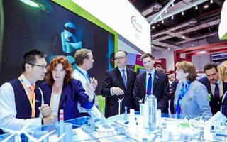 英飞凌亮相进口博览会,自动驾驶和智慧路灯方案引关注