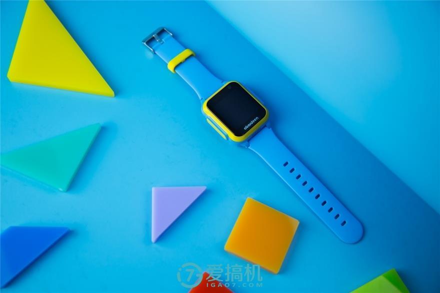 阿巴町4G儿童智能手表小胖评测 突破了传统儿童电...