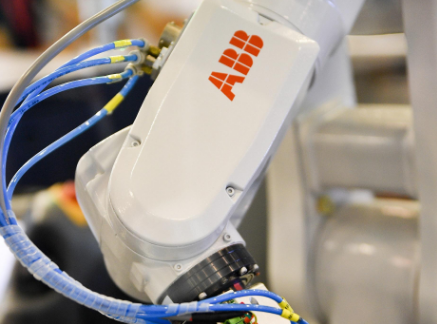 ABB机器人如何拥抱未来智能制造