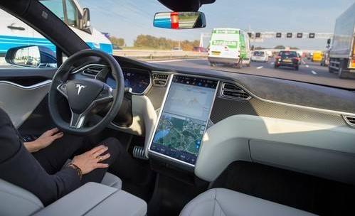 人工智能时代 自动驾驶必须像人一样具备自主学习能...