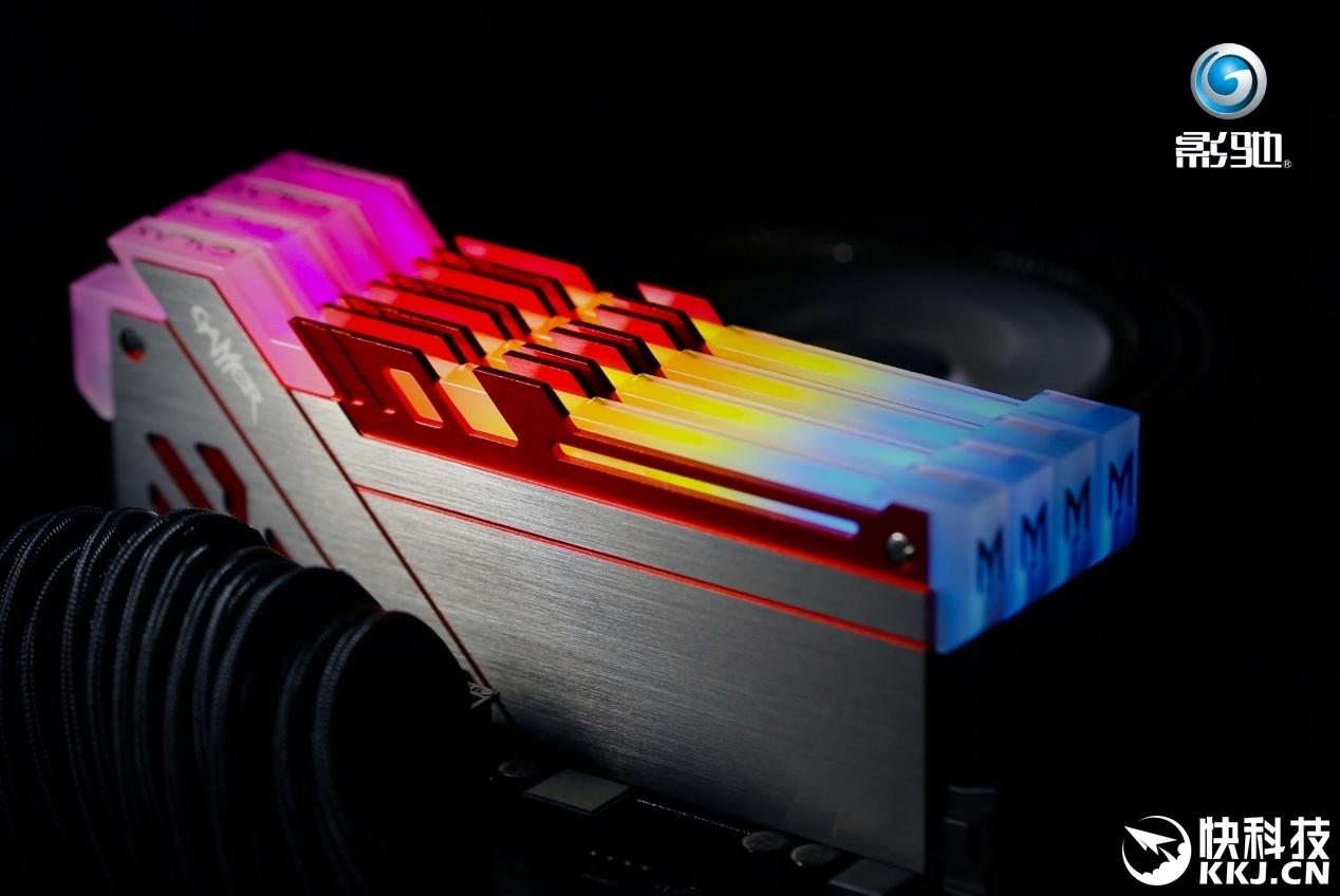 影驰极光幻影光效评测 游戏玩家的灯控神器