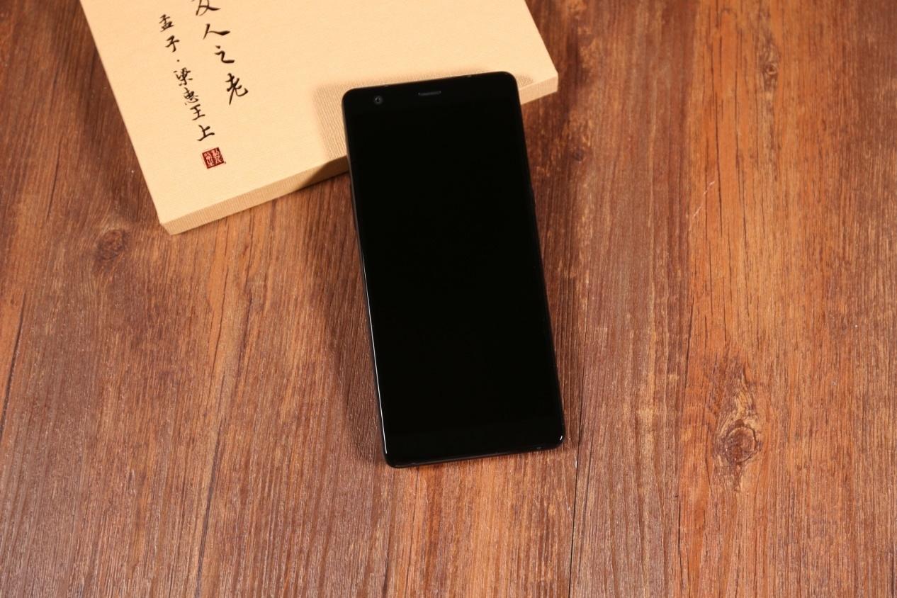 私人医生H1手机评测 是手机更是安全感关爱长辈最佳之选