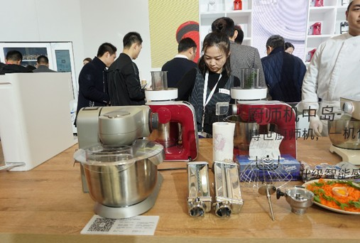 博世家电推出厨师机催生精致小家电瞄准厨房烹饪