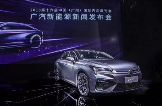 """新能源汽车迅速增长 车企""""新四化""""浪潮来势汹汹"""