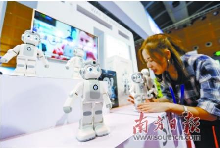 服务机器人扎根细分市场 工业机器人应用于家电等多...