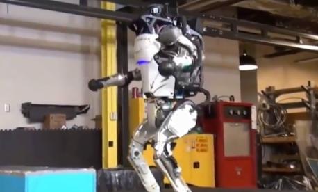 谷歌母公司Alphabe机器人节节败退 主要原因...