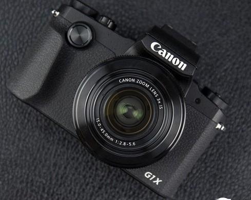 佳能G1XMarkIII相机配备了24-72mm焦段可根据场景调节拍出理想的照片