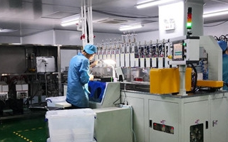 3D玻璃产业中热弯机快速迭代升级