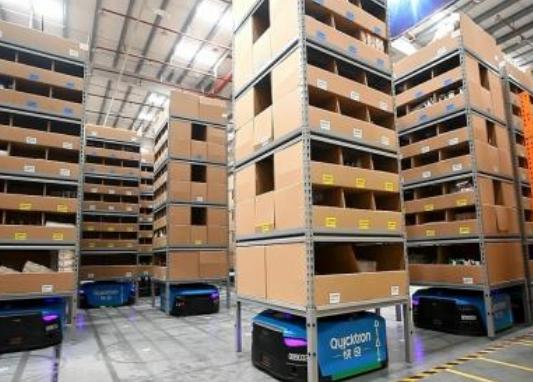 为了不断满足日益增长的消费诉求 仓储机器人市场逐...