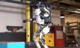 谷歌的母公司Alphabet宣布关闭双足机器人部...