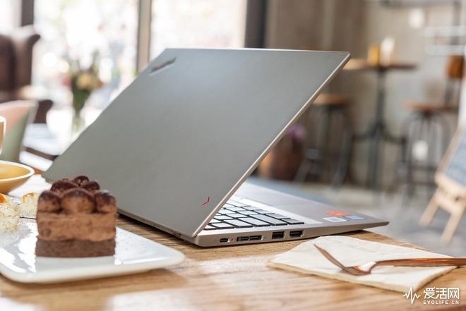 联想ThinkPadX1Carbon评测 轻可高于一切商务人士首选