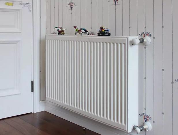 简要说明采暖散热器的安装方式