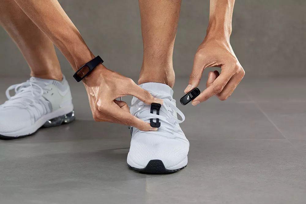 智能穿戴设备,让生活更多彩让运动更自由