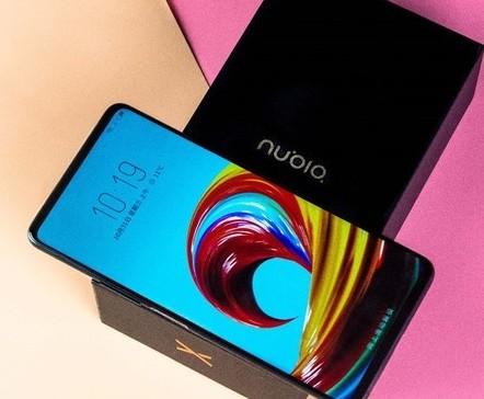 努比亚X的8GB+256GB存储组合的黑金版即将到来