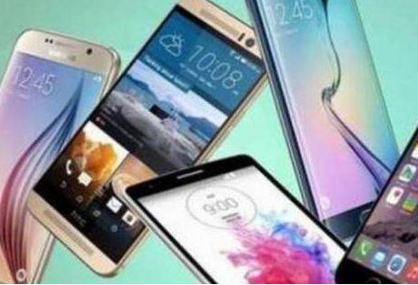 面对不断下滑的智能手机市场需求 各家阵营开始拉帮...