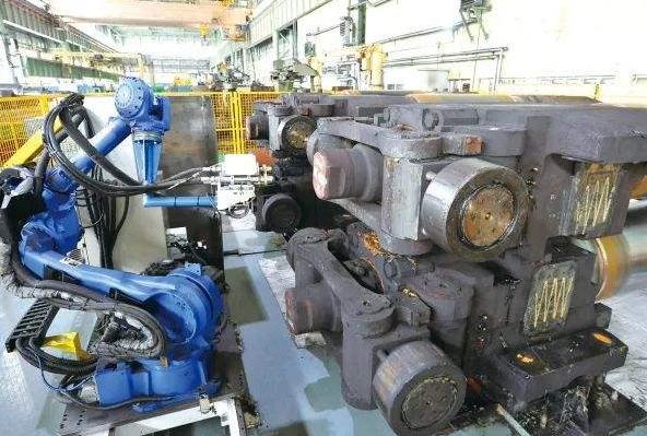 智能磨辊机器人上线运行 每年可节约成本295万元