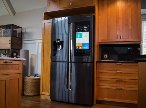 智能化大屏触控的加入 为冰箱开辟了全新的天地
