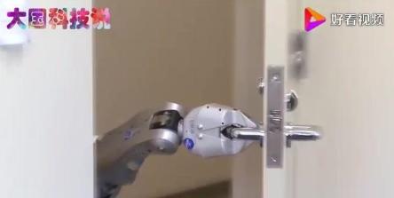 国内第一台人工智能机器人 智力高超颜值高五官逼真