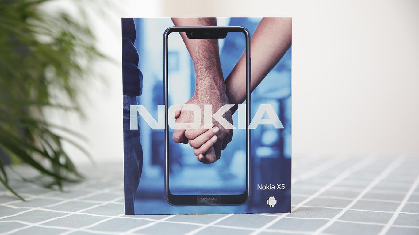 NokiaX5评测 拥有简约优雅的外观和比较全面的硬件配置