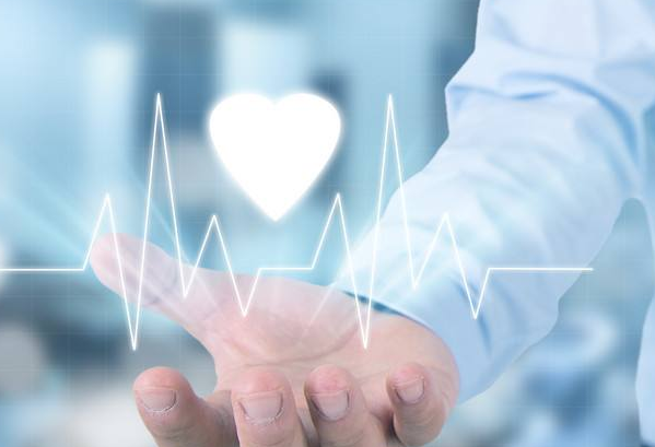 未来的医疗AI 应该是使现有的医疗设备产品变得更加智能化