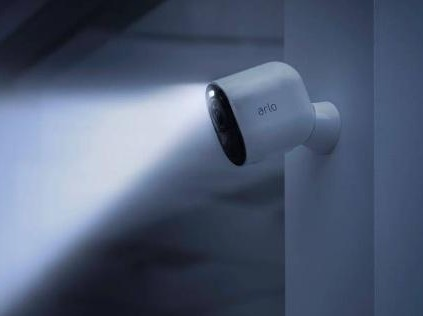 Arlo推出无线安防摄像头Ultra,具有4K分辨率和HDR图像处理功能