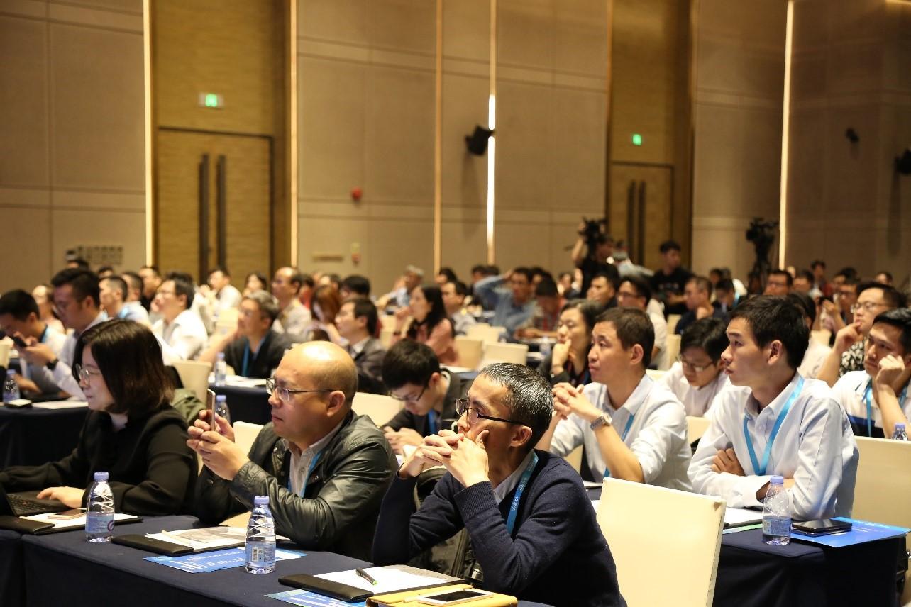 500+产业专家齐聚第二届中国智能硬件高峰论坛 ...