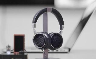 ams的POW:COM接口加护解决真无线耳塞结构...