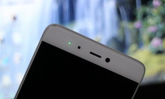 手机呼吸灯有什么用?正在走向消亡