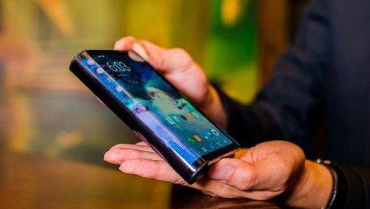 三星折叠屏手机预计在明年初发布 技术优势领先
