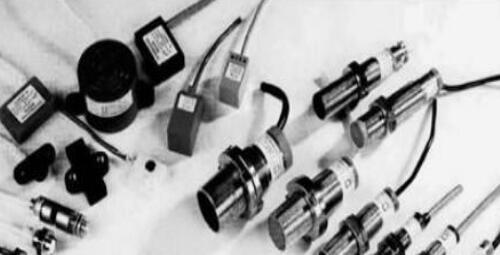 电涡流传感器有何特点