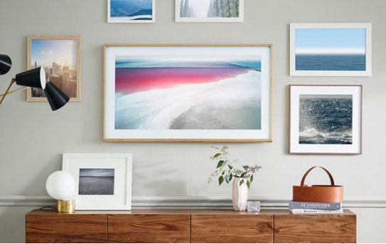 三星为Frame TV推出43寸规格电视机 不使用时就像是挂在墙壁上的壁画