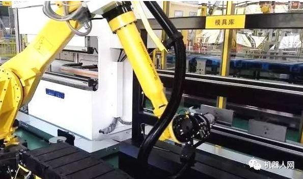 """中科大发布""""机器人柔性手爪"""" 有望降低成本使其加速应用于大众生活"""