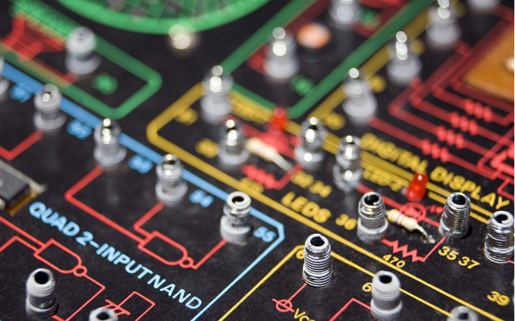 实用电子电路设计详细实例的两本经典教材免费下载。