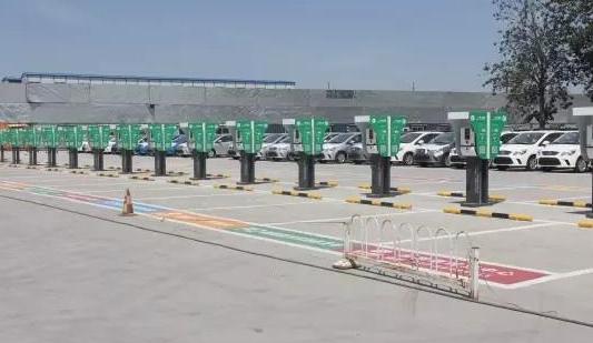 宝马和保时捷合作研发充电站 充电功率达120千瓦