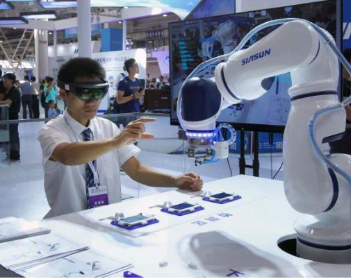未来协作机器人必将走进应用更为广阔的服务机器人领域