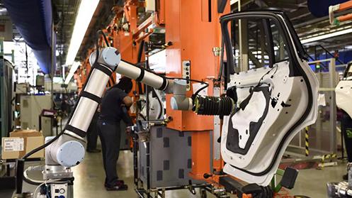 协作机器人实现了人类与机器人真正的协同工作 具有广阔的市场前景