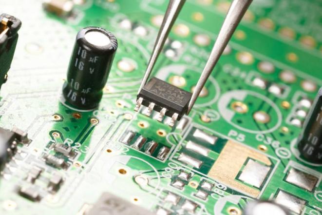 TCL集团拟出售智能终端业务及相关配套业务 未来将以半导体显示及材料业务和产业金融投资业务为主业