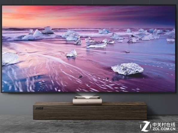 激光电视跟高端投影的存在都是为了满足用户对大屏幕...