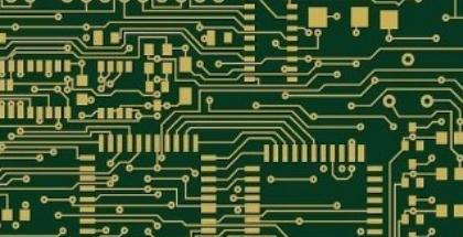 """(1)印刷电路中不允许有交叉电路,对于可能交叉的线条,可以用""""钻""""、""""绕""""两种办法解决。即,让某引线从别的电阻、电容、三极管脚下的空隙处""""钻""""过去,或从可能交叉的某条引线的一端""""绕""""过去,在特殊情况下如何电路很复杂,为简化设计也允许用导线跨接,解决交叉电路问题。    (2)电阻、二极管、管状电容器等元件有""""立式"""",""""卧式""""两种安装方式。立式指的是元件体垂直于电路板安装、焊接,其优点是节省空间,卧式指的是元件体平行并紧贴于电路板安装,焊接,其优点是元件安装的机械强度较好。这两种不同的安装元件,印刷电路板上的元件孔距是不一样的。    (3)同一级电路的接地点应尽量靠近,并且本级电路的电源滤波电容也应接在该级接地点上。特别是本级晶体管基极、发射极的接地点不能离得太远,否则因两个接地点间的铜箔太长会引起干扰与自激,采用这样""""一点接地法""""的电路,工作较稳定,不易自激。    (4)总地线必须严格按高频-中频-低频一级级地按弱电到强电的顺序排列原则,切不可随便翻来复去乱接,级与级间宁肯可接线长点,也要遵守这一规定。特别是变频头、再生头、调频头的接地线安排要求更为严格,如有不当就会产生自激以致无法工作。    调频头等高频电路常采用大面积包围式地线,以保证有良好的屏蔽效果。    (5)强电流引线(公共地线,功放电源引线等)应尽可能宽些,以降低布线电阻及其电压降,可减小寄生耦合而产生的自激。    (6)阻抗高的走线尽量短,阻抗低的走线可长一些,因为阻抗高的走线容易发笛和吸收信号,引起电路不稳定。电源线、地线、无反馈元件的基极走线、发射极引线等均属低阻抗走线,射极跟随器的基极走线、收录机两个声道的地线必须分开,各自成一路,一直到功效末端再合起来,如两路地线连来连去,极易产生串音,使分离度下降。"""