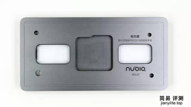 nubiaZ9Max拆解 用料十足整体采用合金框架