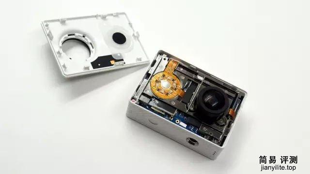 小蚁相机拆解 拆解既简单又困难